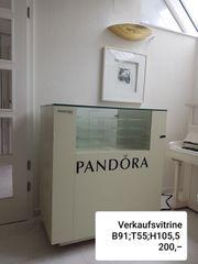 Pandora Vitrine