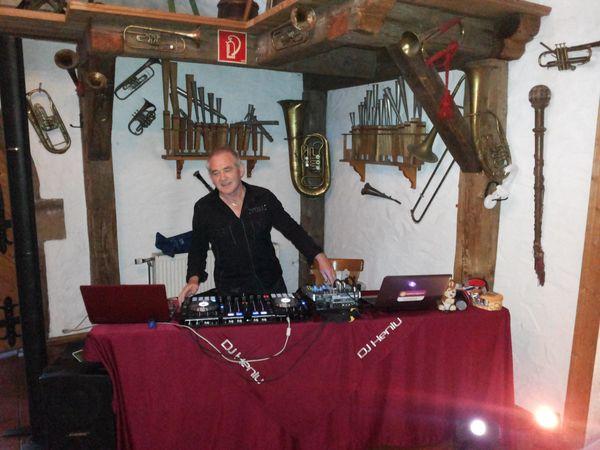 DJ Heniu und Mehr Unterhalter