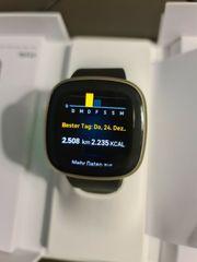 Fitbit Versa 3 Smartwatch in