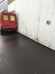 Winterlager Freigelände Motorboot Schiff Auto