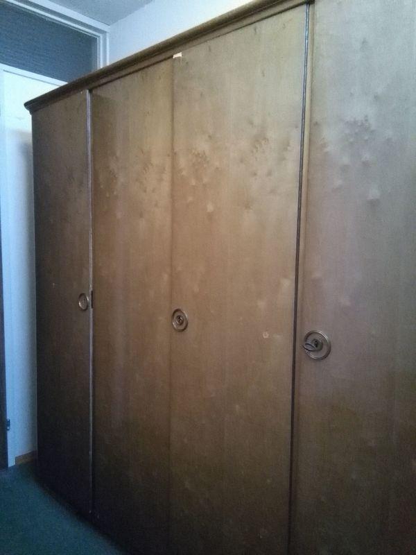 Antik Wandschrank Kleiderschrank Schlafzimmer braun