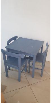 Kindertisch mit 3 Stühlen Kindersitzgruppe