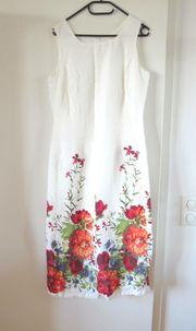 NEUWERTIGES weißes Kleid mit Blumen