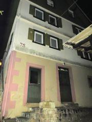 Haushelft Wohnung zum Verkauf