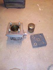 Zylinder mit Zylinderkopf und Kolben