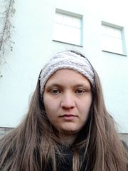 junge Frau sucht Wohnung mit