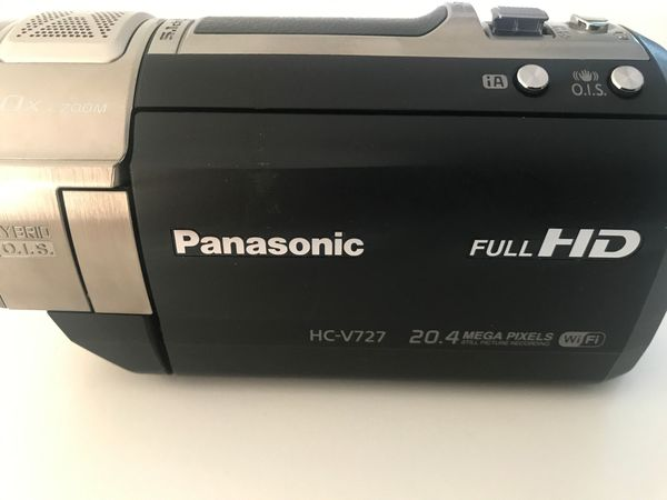 Panasonic Full HD Camcorder HC-V272