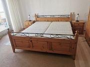 Schlafzimmer aus komplett aus massivem