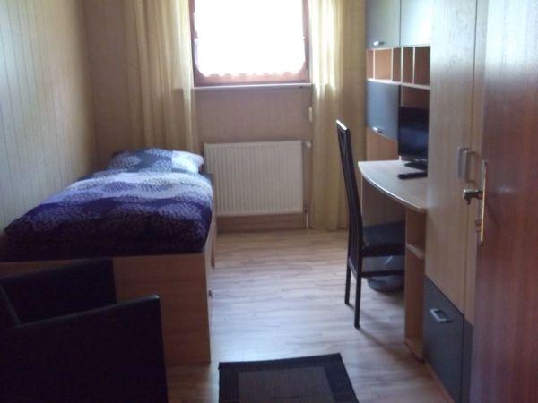 1 möbl Zimmer