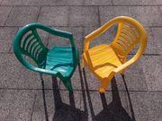 Zwei Gartenstühle für Kinder