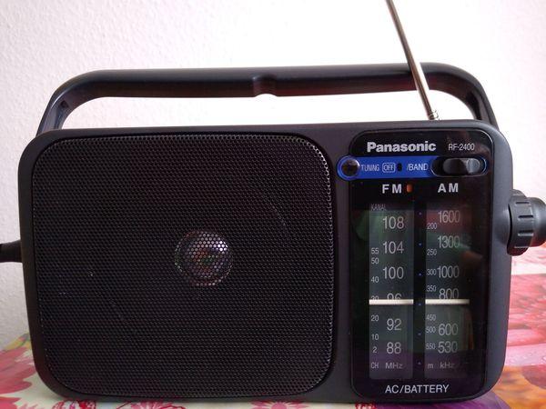 Radio Panasonic RF-2400
