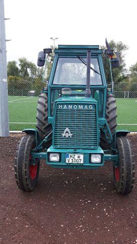 Traktoren, Landwirtschaftliche Fahrzeuge - Hanomag Brillant- 701