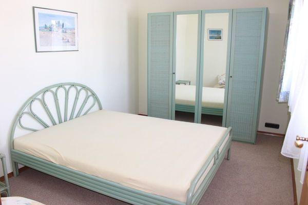 Schlafzimmer-Möbel Rattan - blassgrün - siehe Fotos