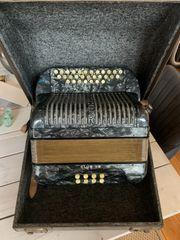Akkordeon Harmonika Hohner Club 2B
