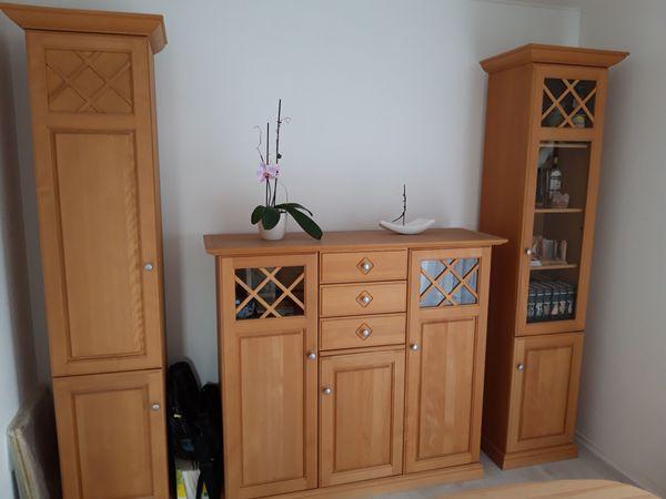Wohnzimmerschrank und Vitrinen aus Kirschholz