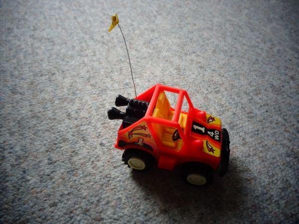 Spielzeug Auto Jeep Aufziehauto ohne