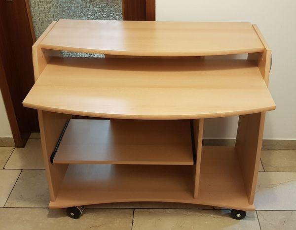 PC-Tisch im Stil Rotbuche