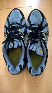 Sportschuhe Adidas Gr 43