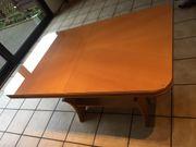 Ausziehbarer Tisch inklusive Glasplatte