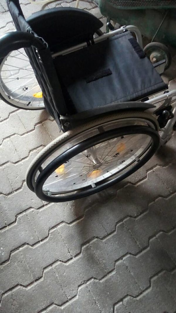 Rollstuhl aktiv