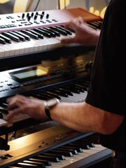Keyboarder sucht Coverband