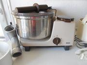 Bosch Küchenmaschine UM3 mit komplettem