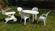 4 Gartenstühle mit Tisch und