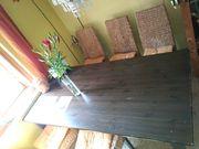 Holztisch mit 6 Stühle