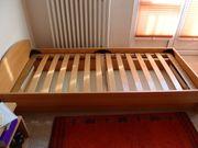 Einzel Bett mit Lattenrost Deko-Matratze