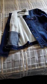NEU Die Jeansjacke auf dem