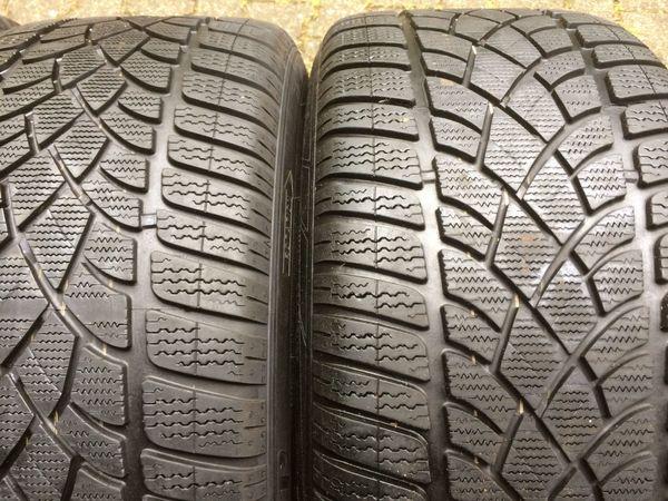 2 x Winterreifen Dunlop M+ S 275/40 R19 105V - 2 x 7, 5mm - Klein-winternheim - 2x 275/40 R19 V Dunlop, Profil 7,5 mm, ohne Felgen, für Audi, BMW, VW, Mercedes, Skoda, Opel, Seat, Porsche. Zum Verkauf stehen zwei Winterreifen in einem guten Zustand. Sie sind nicht beschädigt:2 x Dunlop SP Winter Sport 3D M+S275/ - Klein-winternheim