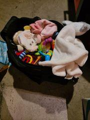 Babyspielzeug und Schnuffeltücher