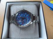 Sehr schöne Designer Uhr von