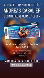 FRONT OF STAGE ANDREAS GABALIER