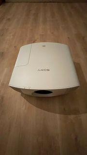 Technisch einwandfreier Sony VPL-VW260ES weiß