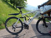 Canyon Nerve XC F8 Fully