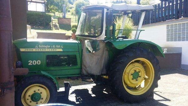 Traktor John Deere Lanz 200