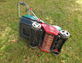 Gartengeräte, Rasenmäher - Vertikutierer Bosch AVR 1100