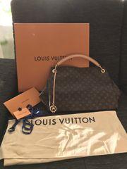 Louis Vuitton Artsy MM in