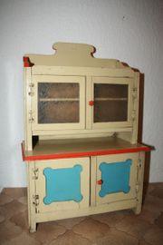 Nostalgischer Puppenküchenschrank