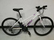 Fahrrad B twin Rockrider 26