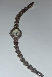 Alte Armbanduhr Damen Trachtenuhr Silber