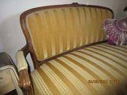 Antikes kleines Sofa