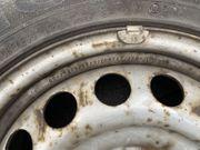 Alte Reifen auf Felge zu