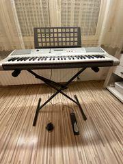 Yamaha PSRE313-K 61-Key Electronic Keyboard