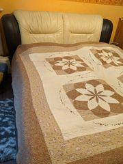 Doppelbett mit Rost und Matratze
