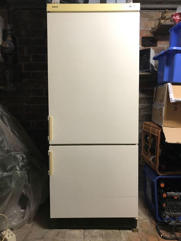 Kühl-Gefrierkombination von Bosch zu verkaufen