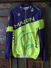 lange Bikejacke der Firma Marin