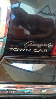 Lincoln Continental Town-Car