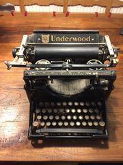 Antike Underwood Schreibmaschine